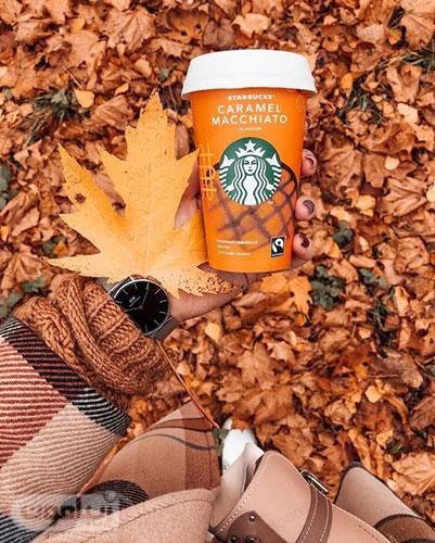تصویر پروفایل دخترانه در طبیعت پاییزی و ماگ قهوه