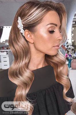 مدل مو فر باز با اکسسوری مرواریدی شیک برای عروسی