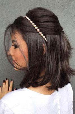 مدل مو باز دخترانه جدید با موهای کوتاه و تل مو مرواریدی