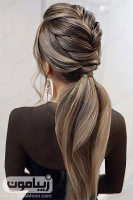 مدل مو باز دخترانه با بافت مو در پشت سر و موهای دم اسبی