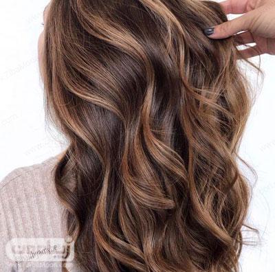 هایلایت عسلی روی موهای قهوه ای
