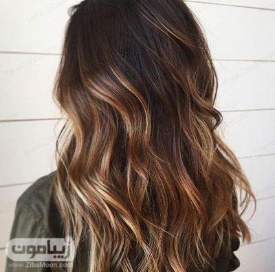 هایلایت مو عسلی روی موهای مشکی و تیره