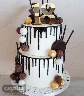 مدل کیک تولد پسرانه دو طبقه با تزیین خامه و شکلات