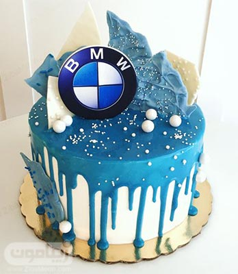 مدل کیک تولد پسرانه به رنگ و آبی و سفید با لوگو BMW