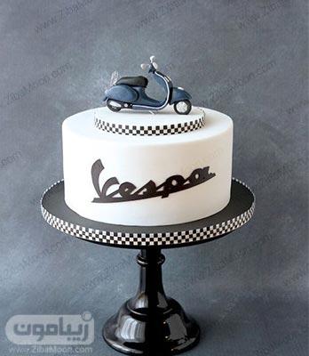 مدل کیک تولد پسرانه ساده و شیک با تزیین موتور