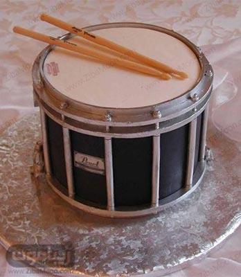 کیک تولد پسرانه فوندانتی به شکل ابزار موسیقی