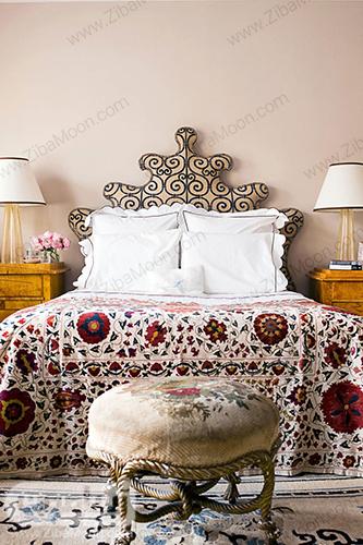 اتاق خواب صورتی مایل به قرمز