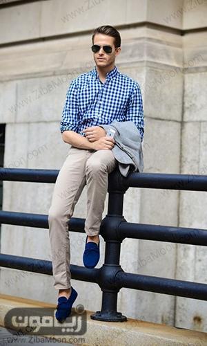 استایل مردانه با لباس چهار خانه آبی و شلوار کرمی