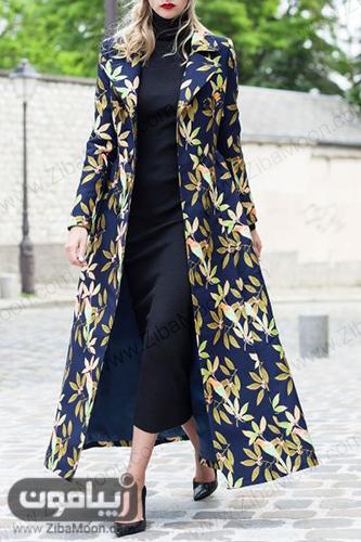 مانتو بلند و ساده با پارچه ژاکارد سورمه ای و طرح برگ سبز و طلایی
