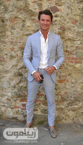 استایل شیک پسرانه با کت و شلوار آبی روشن و لباس سفید برای تابستان 99