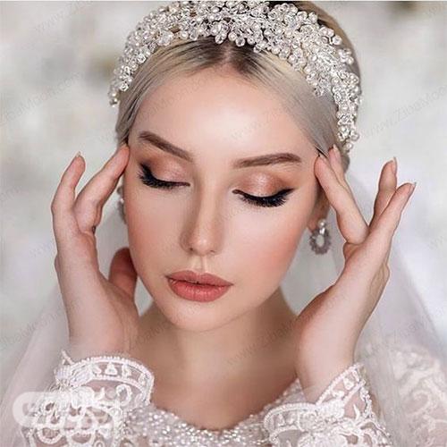 مدل آرایش عروس زیبا با رژلب و سایه چشم همرنگ