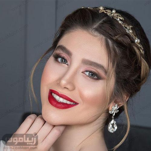مدل عروس خوشگل با ابروهای بلند و پرپشت آرایش چشم ساده و رژلب قرمز
