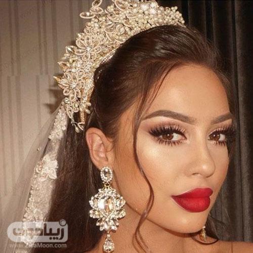 عروس خوشگل با میکاپ زیبا و رژلب قرمز جذاب