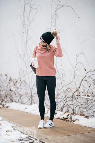 تیپ اسپرت دخترانه با کفش ورزشی