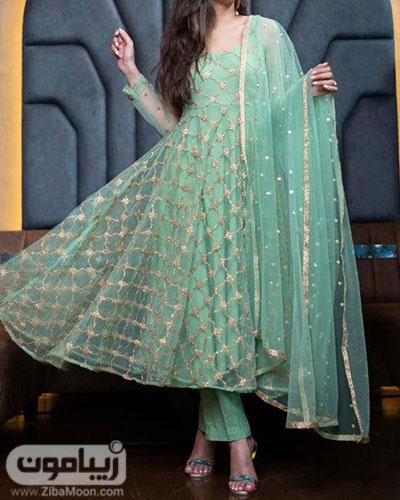 لباس هندی کوتاه دخترانه با پارچه حریری به رنگ آبی آسمانی و جزئیات طلایی