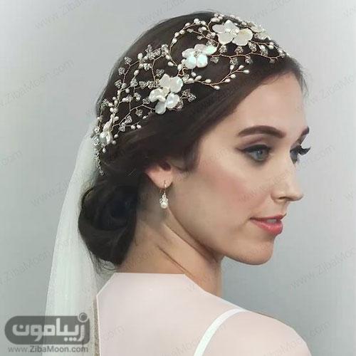 مدل مو عروس با اکسسوری متفاوت و زیبا در بالای سر