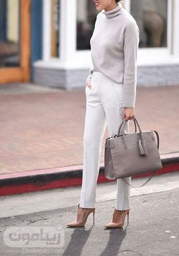 استایل ساده و شیک دخترانه با لباس بافت نازک یقه اسکی توسی روشن و شلوار سفید برای پاییز 2020