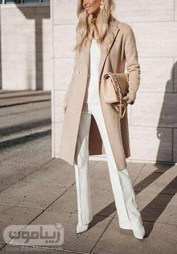 مدل استایل جذاب زنانه با شلوار سفید دمپا گشاد و پالتو پاییزی با رنگ ملایم
